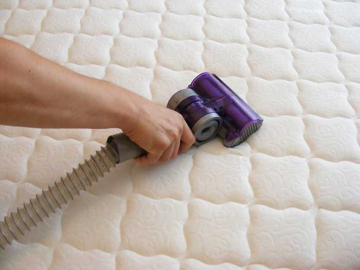 Baking Soda and Vinegar Effective for Mattress cleaning