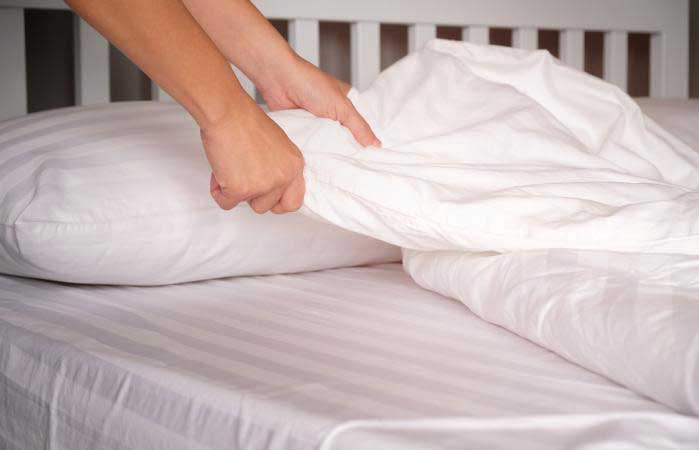 Remove any beddings on the mattress