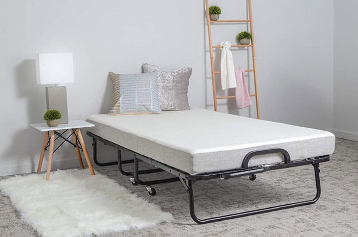 best size bed for a guest room